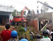 Nhà đang xây ở Phú Quốc đổ sập, 5 người phải cấp cứu